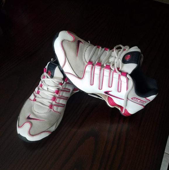 buy popular 1b0a1 8cb8a Nike Shox Shoes. M 5bfd7a5f3c984411f92f1a3c